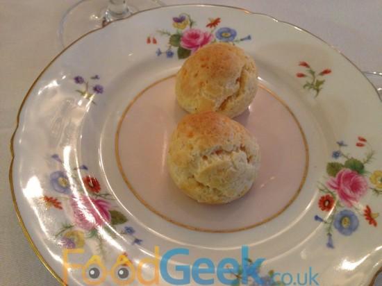 Canapé: Cheese Gougères