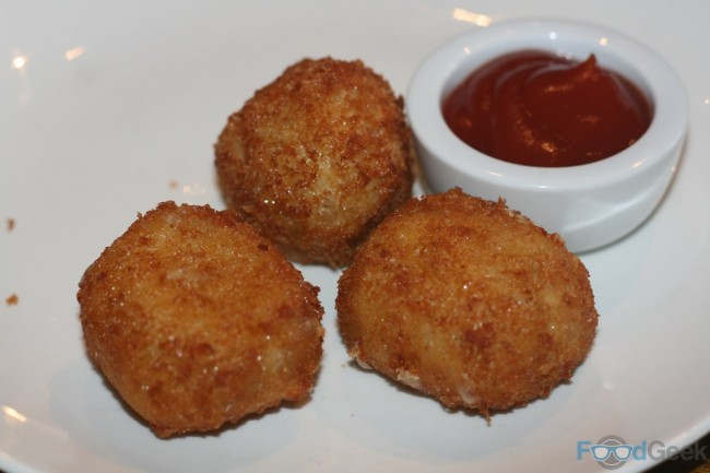 Deep Fried Mac 'N' Cheese