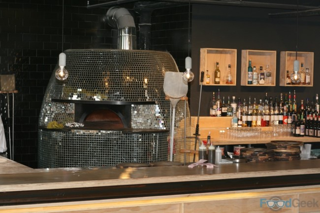 Shiny Pizza Oven