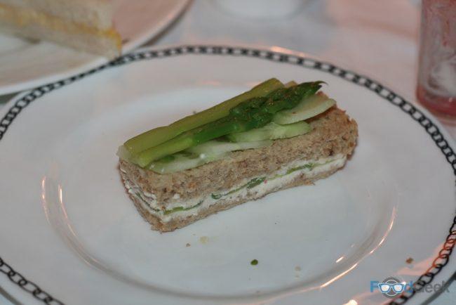 Green Asparagus, Cucumber & Ricotta